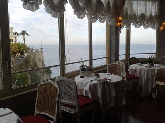 Grand Hotel Excelsior Vittoria : Da gusto desayunar con estas vistas