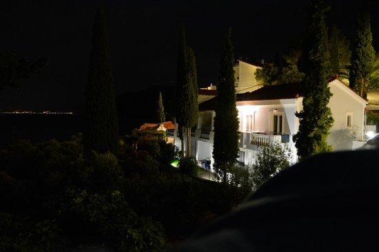 Kerveli Village Hotel: nächtliche Ruhe, Blickrichtung Türkei
