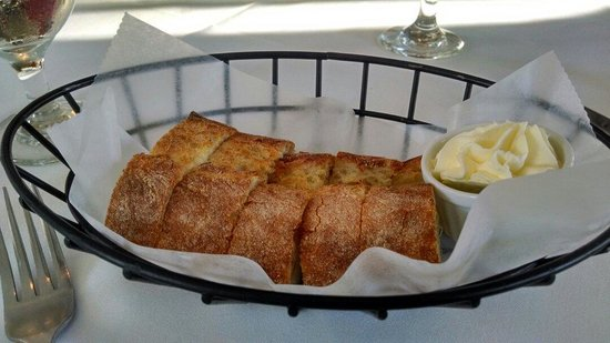 Old Yarmouth Inn: Bread basket