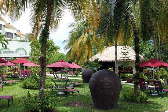 PARKROYAL Penang Resort, Malaysia : Garden