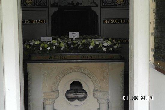 Cementerio de Glasnevin: in zijn tombe