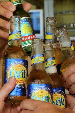 Castaways : Cheers!