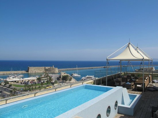GDM Megaron Hotel : Roof terrace2