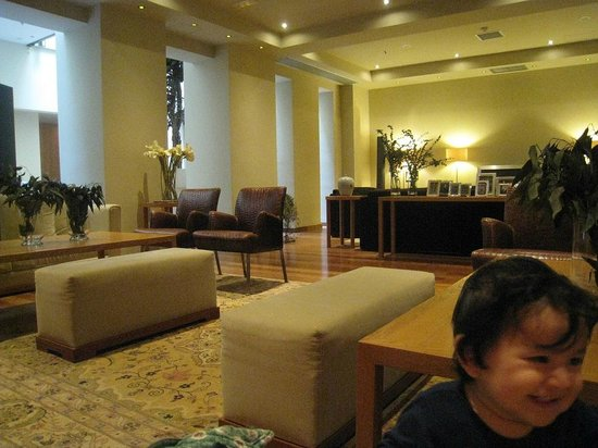 GDM Megaron Hotel : Library