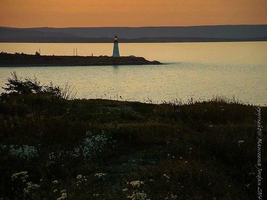 Low Point Lighthouse: Photo: Maureena Jordan