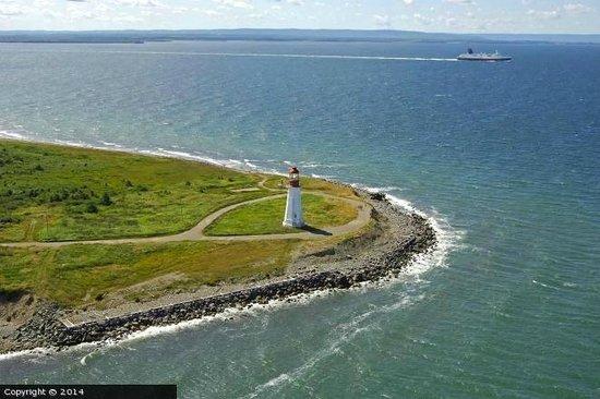 Low Point Lighthouse with MV Joseph and Clara Smallwood (Newfoundland Ferry)