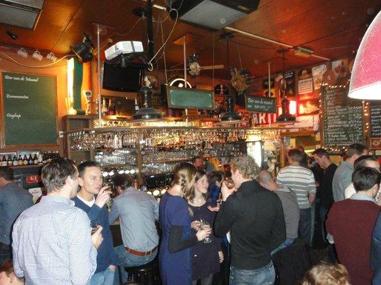 Bierencafe De Heks: Always full, grab a beer and enjoy