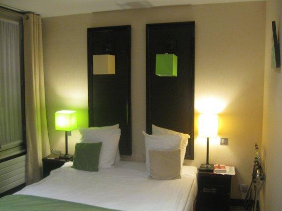 Hotel Pax Opera : cuarto