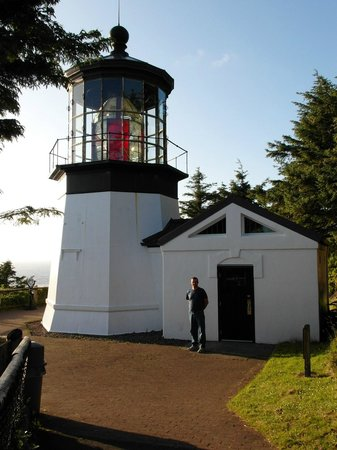 Cape Meares Lighthouse and Wildlife Refuge: up close