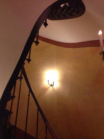 L'Hotel : Stairwell