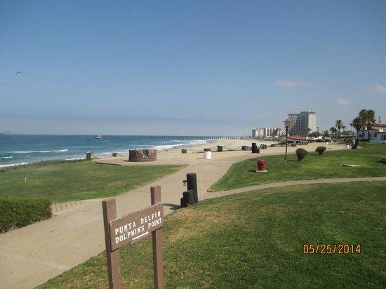 La Paloma Resort: Top of resort property looking down onto beach