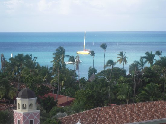 Sandals Grande Antigua Resort & Spa : View of the ocean from the 7th floor of Cypress Tower