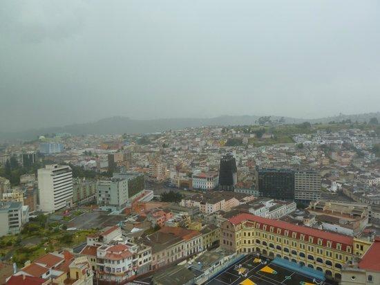 Basílica del Voto Nacional: Вид на город с Базилики
