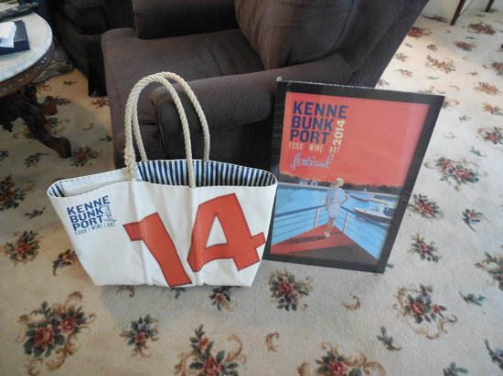 Kennebunkport Inn: Sea Bag/Kennebunkport Festival Print