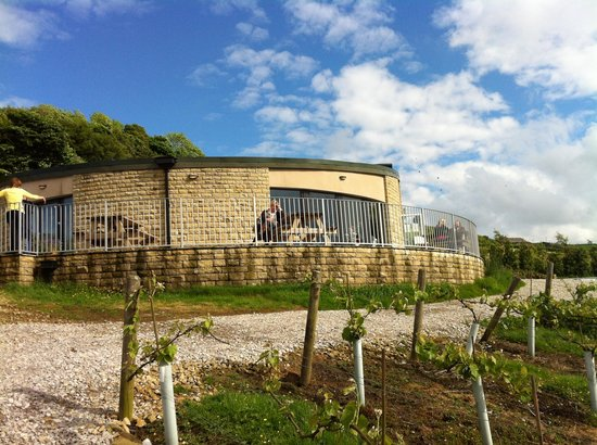 Holmfirth Vineyard: cafe and winery