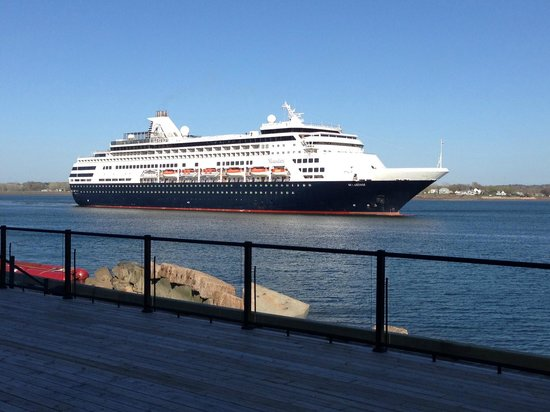 Delta Hotels Prince Edward by Marriott: Cruise Ship