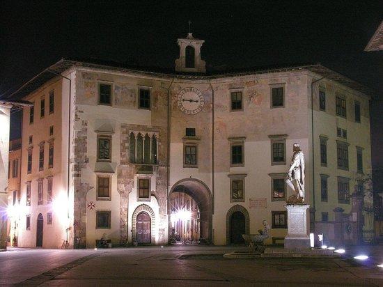 Piazza dei Cavalieri : palazzo dell'orologio