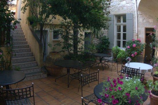 Hotel Du Musee: Нижний дворик