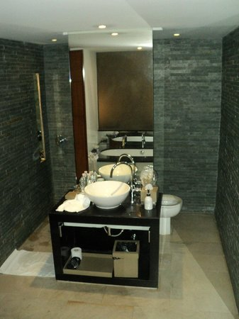 The Quay Boutique Hotel : bathroom