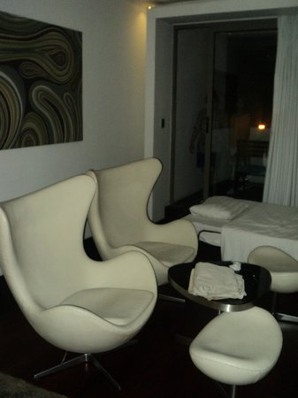 The Quay Boutique Hotel: best chairs in the world!