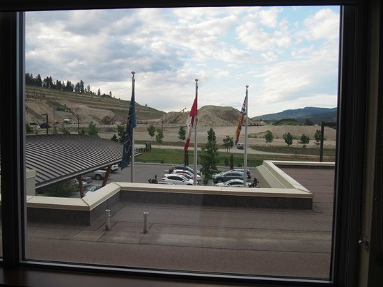 Four Points by Sheraton Kelowna Airport: view from room