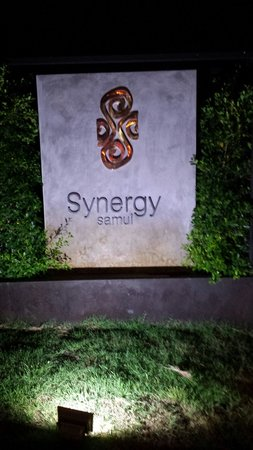 Synergy Samui Resort : Front sign