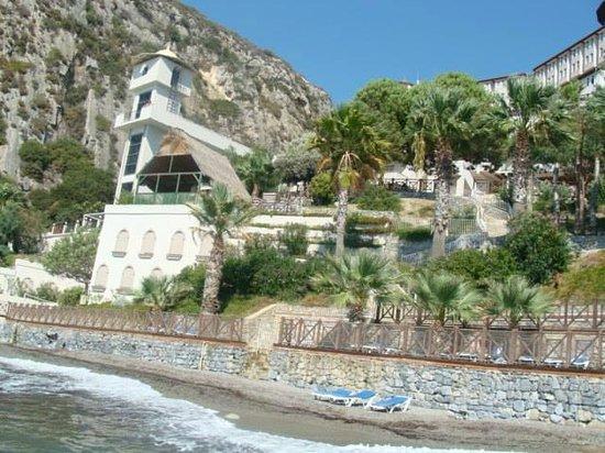 Alkoclar Adakule Hotel : Beach area