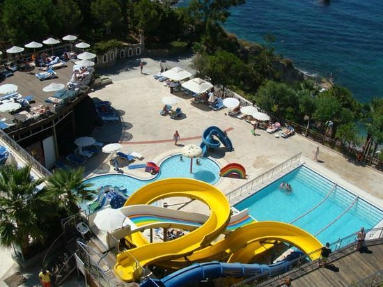 Alkoclar Adakule Hotel : One of the pools