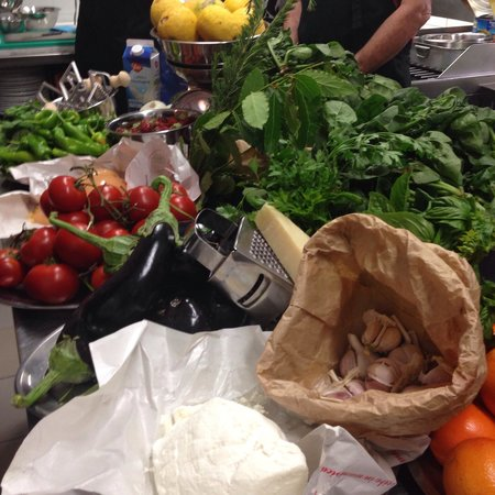 Cooking Classes in Rome : The fresh produce for the class.