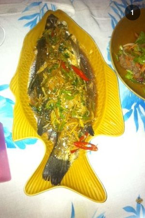 The Kitchen Restaurant Kata Beach & Thai Cooking Class: The whole fish with lemongrass and ginger. BEAUTIFUL!
