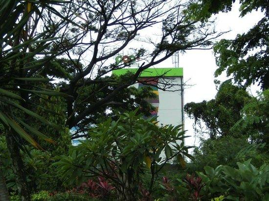 POP! Hotel Airport Jakarta: Außenansicht