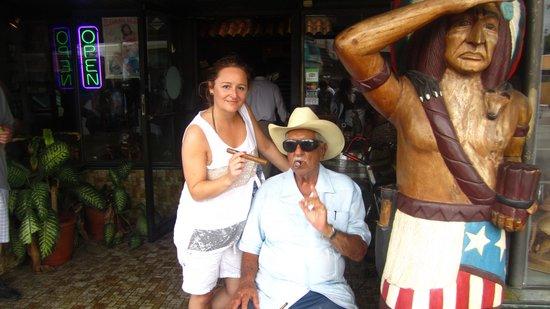 Cuba Tobacco Cigar Co: dueño de la tienda