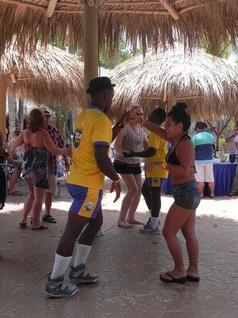 Iberostar Bavaro Suites: Clase de baile con Luis