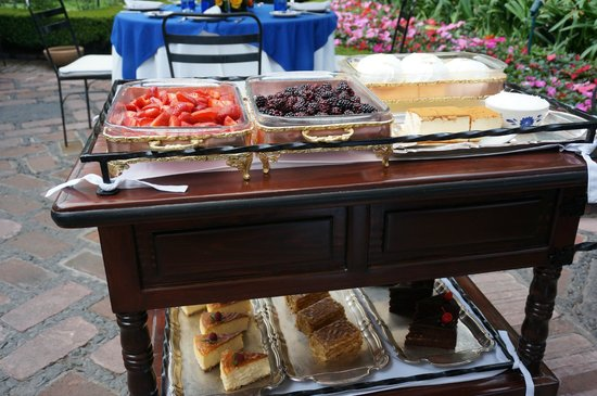 Restaurante Antiguo San Angel Inn : Dessert cart