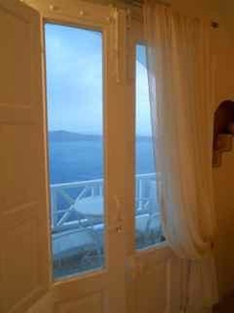 Thea Apartments - Imerovigli: Honeymoon suite balcony