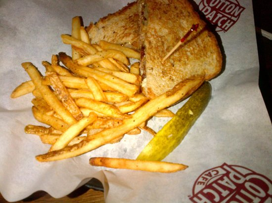 Cotton Patch Cafe: Patty melt - note the average size, and not an overwhelming amount of fries.