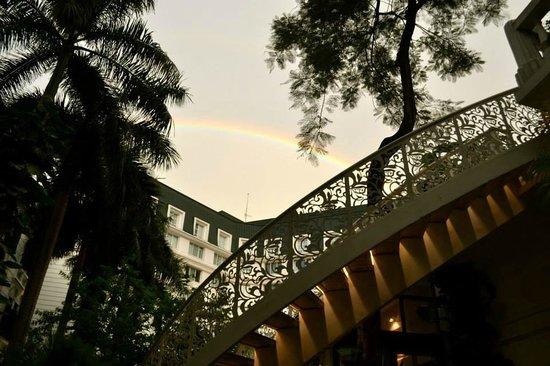 Sofitel Legend Metropole Hanoi : Rainbow over the hotel 1