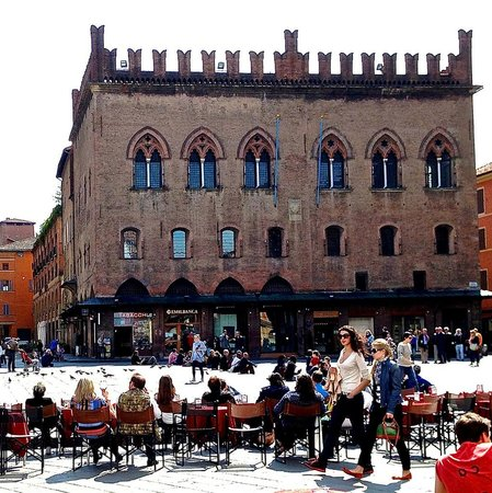 Outdoor dining at Piazza Maggiore