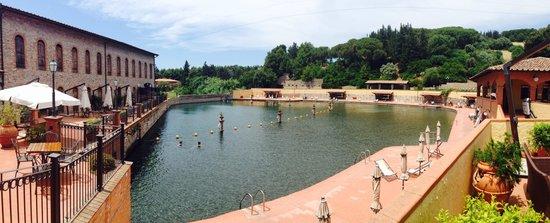 Calidario Terme Etrusche Hotel: Sorgente di 3000m2 caldissima