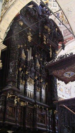 Santuario della Beata Vergine di Tirano: lo stupendo organo