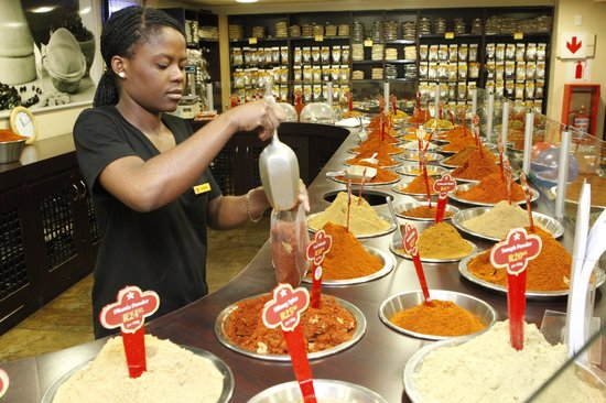 The Spice Emporium, Durban: Our helpful staff will mix and blend, to make you the perfect spice for your dish.
