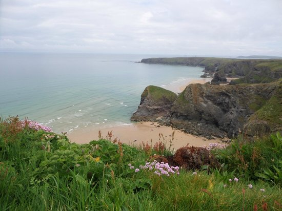 Carnewas and Bedruthan Steps: View of Beach from coastal walk