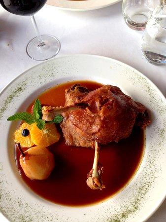 Los Abanicos: Confit of duck