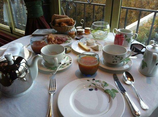 Le Mas Candille : breakfast