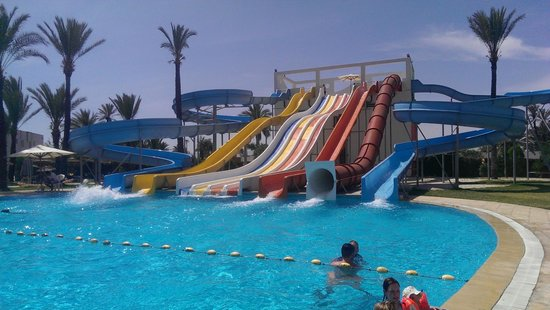 SunConnect One Resort Monastir: Flumes at the large pool