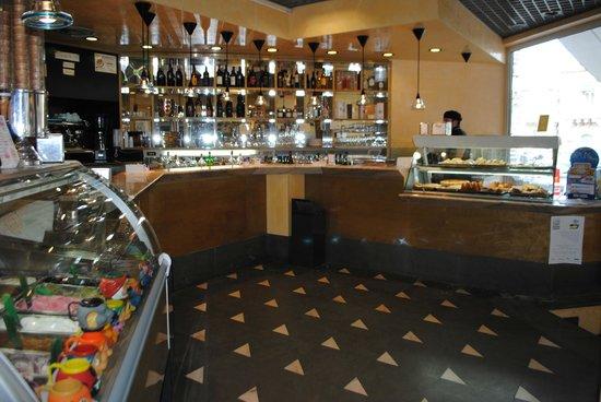 Bancone Bar - Picture of Corsino, Palazzolo Acreide - TripAdvisor