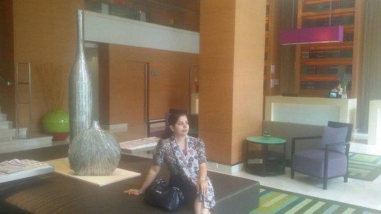 Courtyard by Marriott Bangkok: Lobby