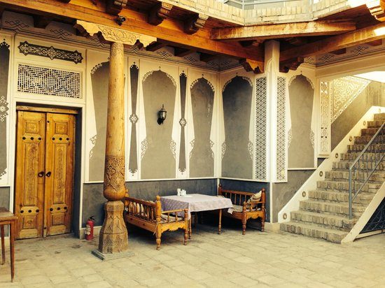 Minzifa Hotel: The courtyard