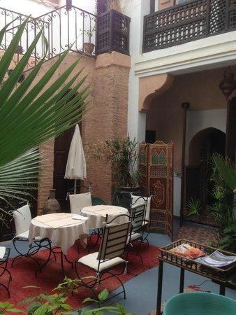 Riad Dubai: De deur van onze kamer op de begane grond
