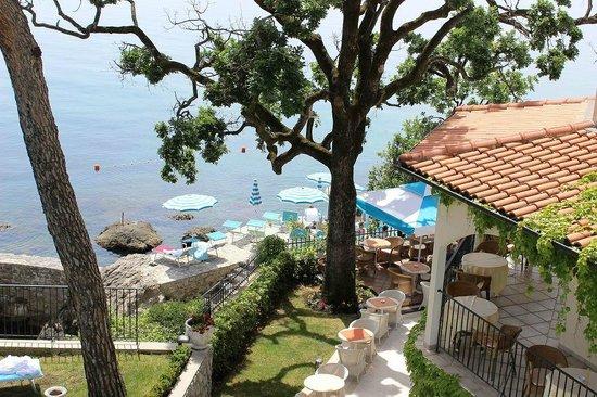 Hotel Miramar: Blick zum Badebereich